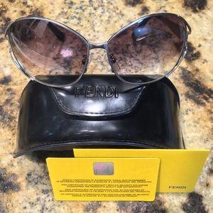 Fendi Oversized Sunglasses 🕶